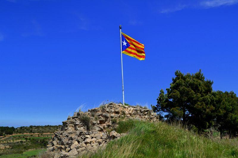 Spaniens Regierung soll Zeitplan zur Wiederherstellung der