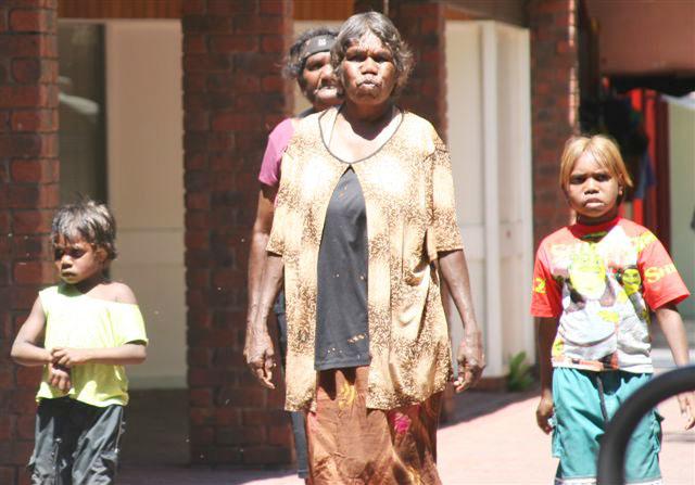 Premierminister rudd entschuldigt sich bei australiens ureinwohnern